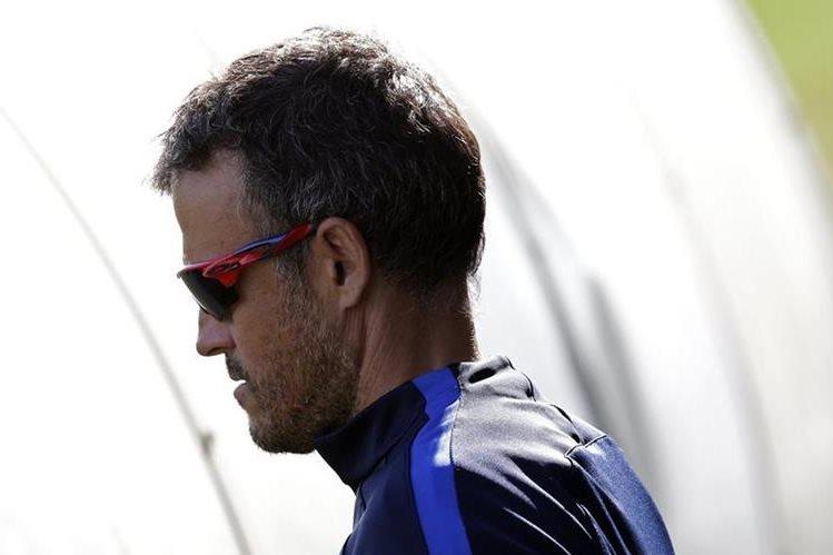 Luis Enrique, técnico del Barcelona, señaló que Lionel Messi podría tener algunos minutos en el partido contra el Deportio La Coruña (Foto Prensa Libre: AP)