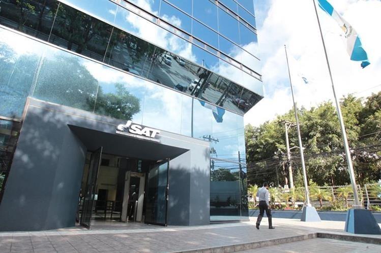 Oficinas centrales de la SAT en la zona 9 capitalina. (Foto Prensa Libre: Hemeroteca PL)