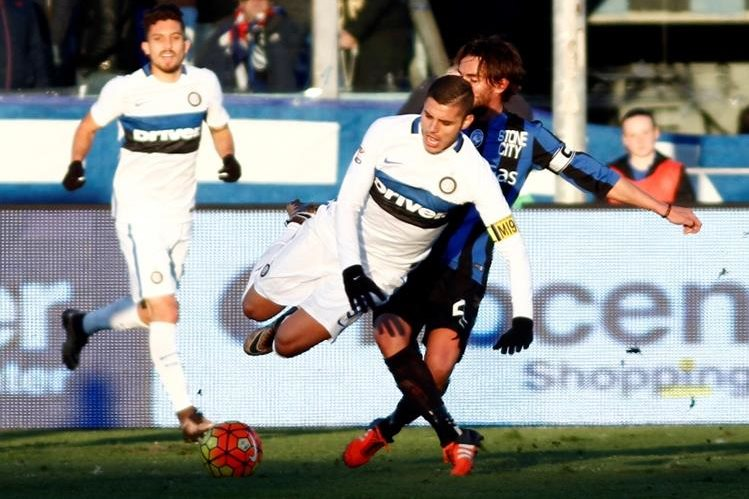 El Inter volvió a tropezar y se tuvo que conformar con un empate. (Foto Prensa Libre: AP)