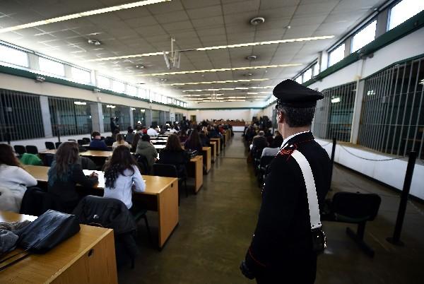 Jueces de la Tercera Corte de Roma asisten a la sentencia de militares por el plan Cóndor.(AFP).
