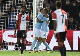 El equipo de Pep Guardiola vence 4-0 a un débil Feyenoord holandés