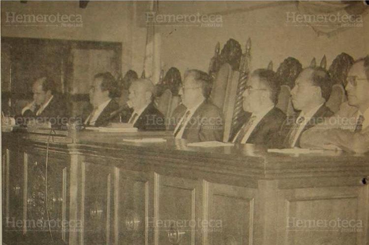 Pleno de magistrados de la  Corte de Constitucionalidad en 1994. (Foto: Hemeroteca PL)