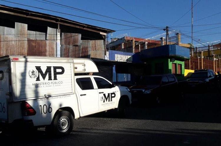 Cinco allanamientos fueron efectuados por el MP y PNC. (Foto Prensa Libre: Cristian Icó)