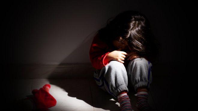 Se calcula que 1 de cada 4 niños experimentan alguna forma de abuso en su vida. THINSTOCK