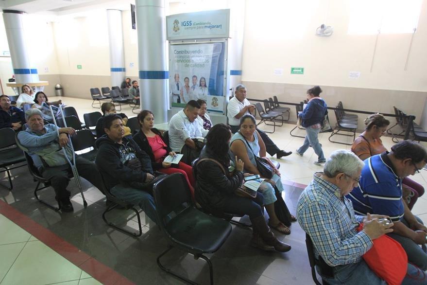 Aunque existen amparos a favor de los pacientes, los medicamentos aún no llegan a ellos. (Foto Prensa Libre: Esbin García)