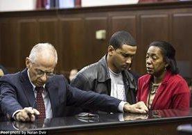 Isaac Infante fue instruido en la corte de cargos de asesinato por la muerte de su esposa e hijo.