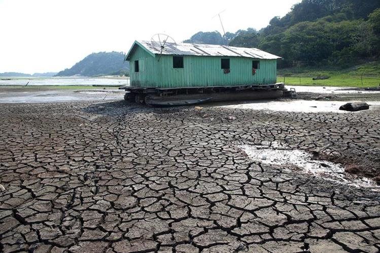 Más de la mitad de la superficie terrestre podría convertirse en una zona árida en 2100.(Foto Prensa Libre: EFE).