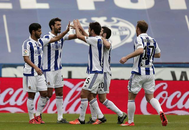La Real Sociedad celebró este domingo un triunfo importante contra el Levante. (Foto Prensa Libre: EFE)