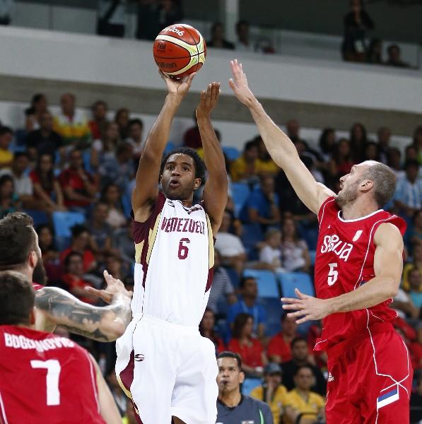 John Cox es una de las figuras de Venezuela y primo del exastro de la NBA Kobe Bryant. (Foto Prensa Libre: EFE)
