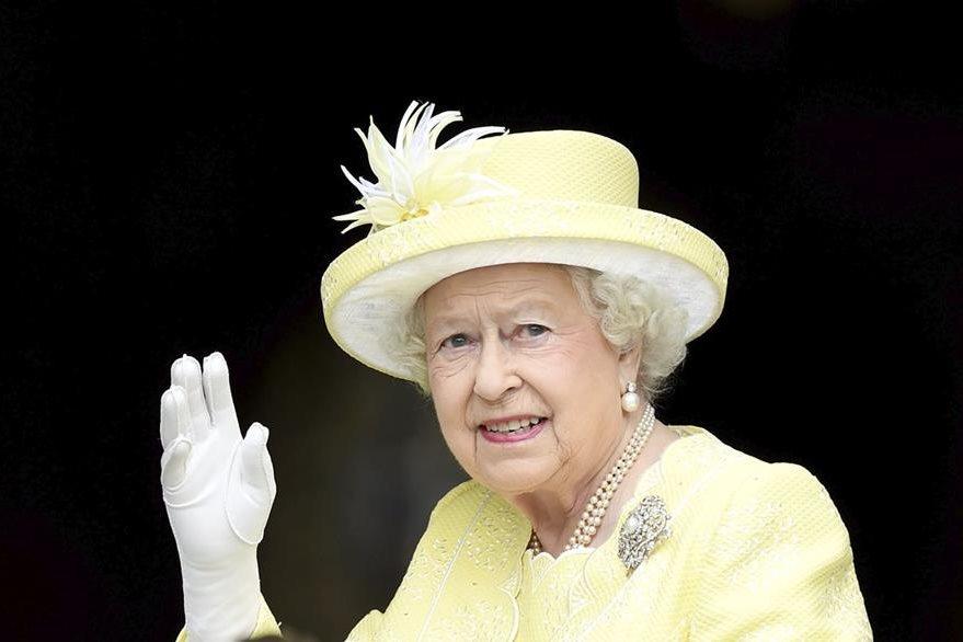 La reina Isabel fue la protagonista de la celebración. (Foto Prensa Libre: EFE/ Corona Británica)