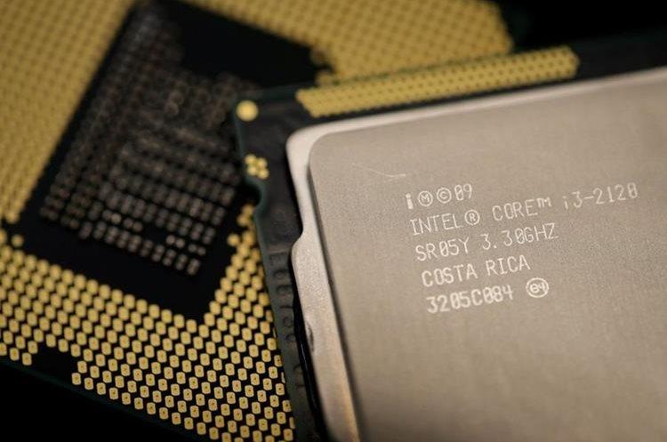 Intel se ha dado conocer por los procesadores i3, i5 e i7, presentes en computadores portátiles y de escritorio (Foto Prensa Libre: AFP).