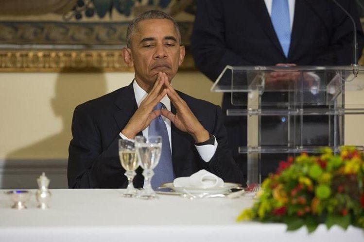 El presidente de EE. UU., Barack Obama, durante una cena en la mansión presidencial de Grecia. (Foto Prensa Libre: AP).