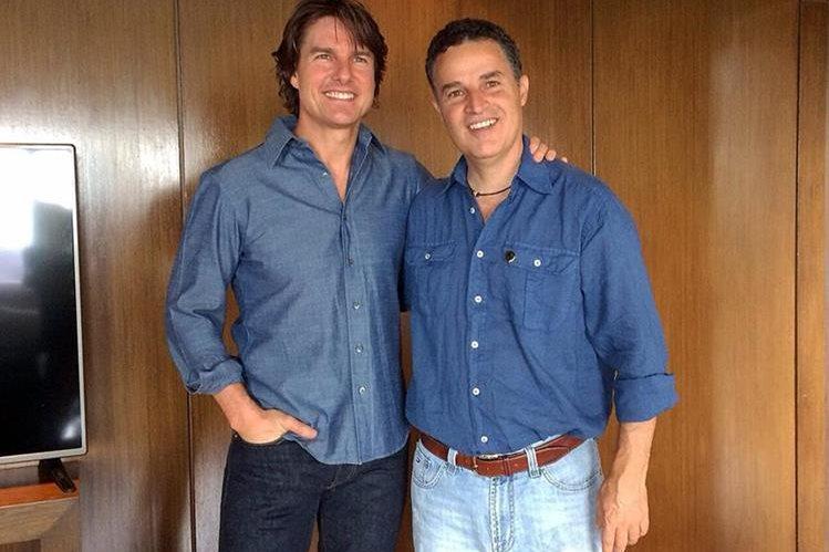 El actor estadounidense Tom Cruise junto al alcalde de Medellín Aníbal Gaviria. (Foto Prensa Libre: EFE)