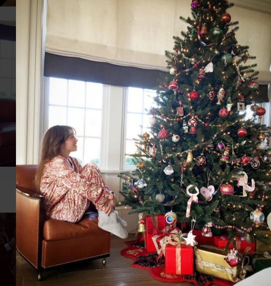 Las estrellas del espectáculos, como la cantante Thalía, también esperan con ansias la llegada de la Navidad. (Foto Prensa Libre: Instagram)