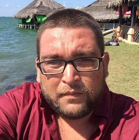 Ángel Geovanny Sosa Flores, propietario y piloto de microbús ultimado en Chiquimula. (Foto Prensa Libre: Faceboock)