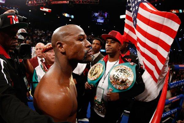 El boxeador Floyd Mayweather con 300 millones de dólares encabeza la lista de los atletas con mejores ingresos (Foto Prensa Libre: Hemeroteca PL)