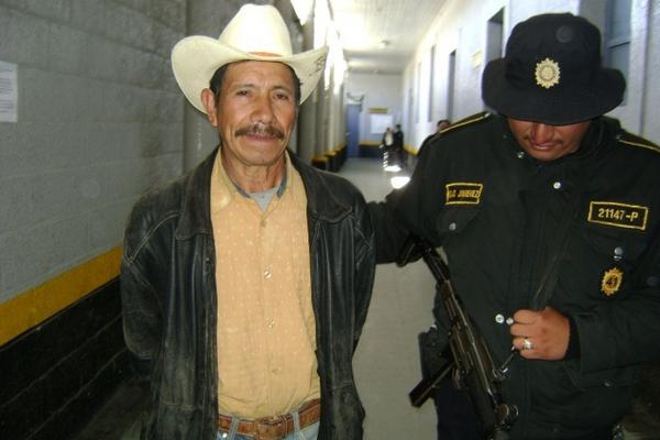 <p>Julio Víctor Ordóñez Sarat, de 65 años, tenía orden de captura desde el 2009. (Foto Prensa Libre: PNC)</p>