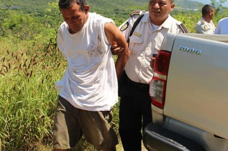 Rubén de Jesús de León Cartagena, de 46 años, fue capturado por el ataque contra la unidad de la PNC. (Foto Prensa Libre: Mario Morales)