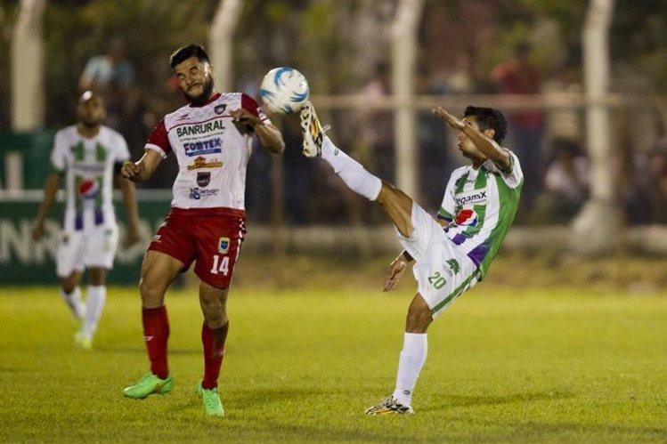 Antigua no pudo ante Mictlán en el Estadio La Asunción. (Foto Prensa Libre: Norvin Mendoza)