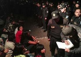 PNC hace el registro de los adolescentes en el Hogar Seguro Virgen de la Asunción. (Foto: Carlos Hernández)