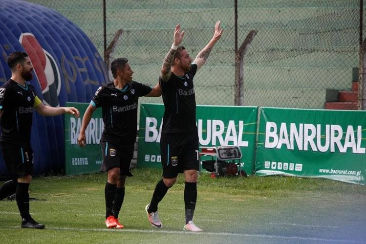 Comunicaciones festejó su triunfo contra Antigua GFC. (Foto Prensa Libre: Hemeroteca PL)