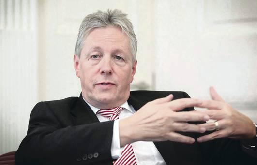 <em>El jefe del gobierno de Irlanda del Norte, Peter Robinson, unionista.</em>