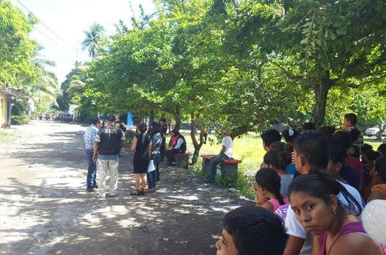 Un menor de 17 años murió en el hospital de ese departamento.(Prensa Libre: Carlos Paredes)