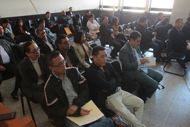 Importadores que hicieron uso de La Línea se dieron cita en el tercer día de audiencia en Tribunales. (Foto Prensa Libre: Alvaro Interiano)
