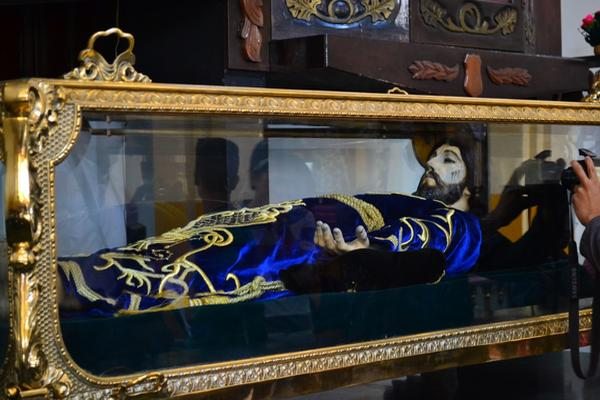 Detalles del Cristo Yacente no coinciden con el anterior afirman fieles católicos
