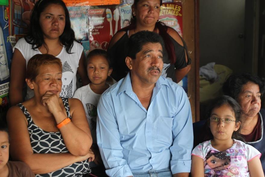 La familia del bombero espera que el taxista sea juzgado y pague los gastos médicos de Érick. (Foto Prensa Libre: É. Ávila)