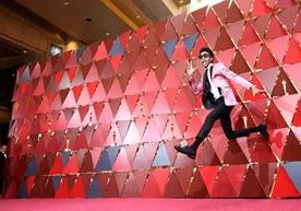 Celebridades de Hollywood pasaron por la alfombra roja de los Óscar 2018.
