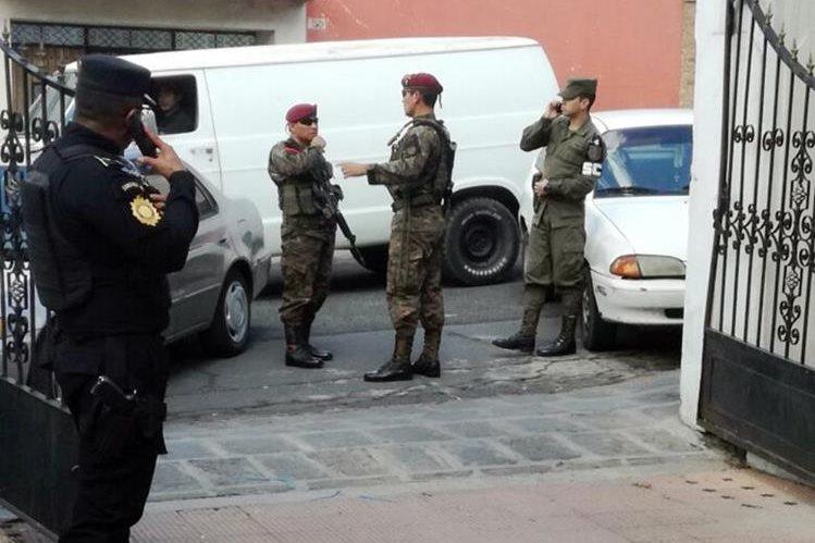 Fuerzas de seguridad participan en logística para inauguración de sede de la Cicig en Quetzaltenango. (Foto Prensa Libre: Carlos Ventura).