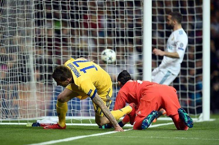 La pelota está en el fondo en el 1-0 de la Juventus.