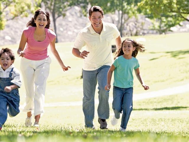 Las nuevas disposiciones médicas recomiendan que niños y adultos deben practicar actividad física seis días a la semana.