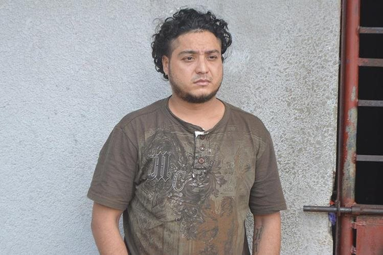 Ronald Alexander Fuentes Estrada fue condenado a 15 años de prisión en Puerto Barrios, Izabal, por la muerte de la gerente financiera del Hospital Infantil de la localidad, Glenny Santos, a inicios del 2016. (Foto Prensa Libre: Dony Stewart)