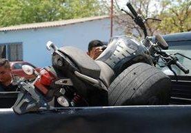 Esta es la motocicleta donde viajaba la pareja de esposos. (Foto Prensa Libre: Mario Morales)