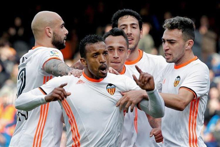 El centrocampista portugúes del Valencia Nani será baja para el Valencia. (Foto Prensa Libre: Hemeroteca PL)