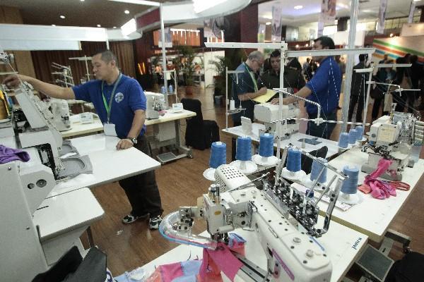"""<p>Feria de textiles ofrece oportunidad de negocios para inversionistas (Foto Prensa Libre: A. Interiano)<br _mce_bogus=""""1""""></p>"""