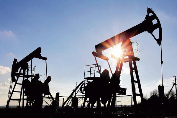 El petróleo estadounidense cerró hoy a US$55.74 (Hemeroteca PL)