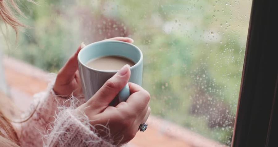 Es importante mantenerse abrigados durante la época de lluvia. (Foto Prensa Libre: Servicios).