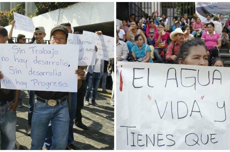 Dos grupos de pobladores, a favor y en contra, aguardan afuera de la CSJ la audiencia. (Foto Prensa Libre: Paulo Raquec)