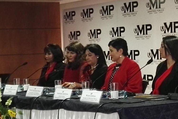 Fiscal general durante un acto con la Asociación de Abogadas y Notarias. (Foto Prensa Libre: Glenda Sánchez)