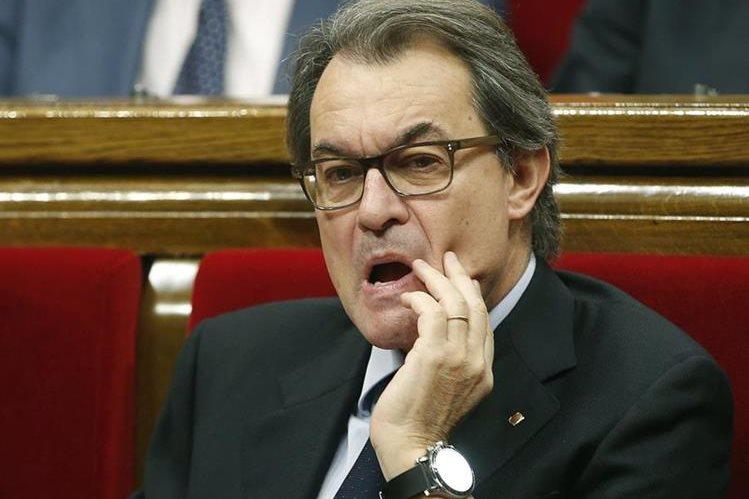 El Parlamento de Cataluña rechazó este martes la reelección de Artur Mas. (Foto Prensa Libre: EFE).
