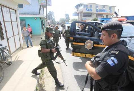 Operativo conjunto contra grupos organizados en Ciudad Quetzal. (Foto Prensa Libre: Archivo)