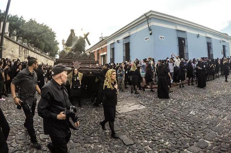 El fotógrafo Steve McCurry visitó varios puntos de Guatemala durante la Semana Santa 2017. (Foto Prensa Libre: Danny Gamboa)