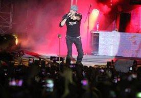 El cantante español conquistó a sus seguidores locales durante el show que ofreció en la capital.