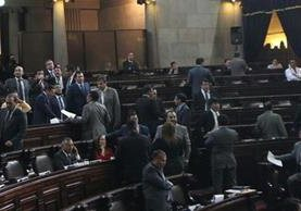 Solo 20 diputados votaron a favor de la moción para conocer un proyecto de amnistía. (Foto Prensa Libre: Erick Avila)