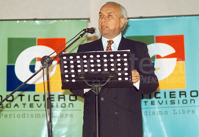 Periodista Mario Antonio Sandoval, presidente de Guatevisión, durante la presentación del canal en 2003. (Foto: Hemeroteca PL)