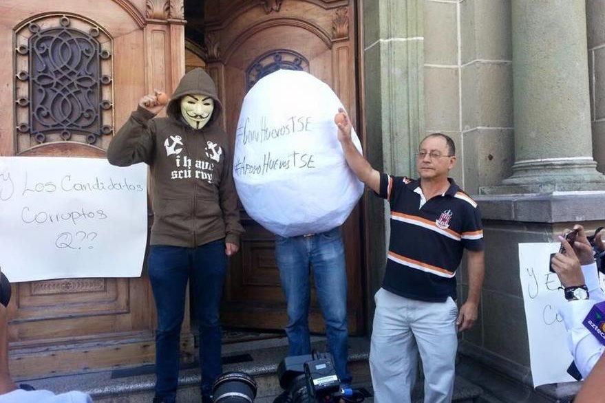 Campaña Anonymous que exigió al TSE transparencia