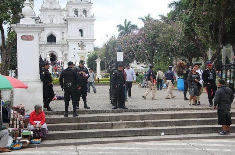A diferencia de otros años existió más seguridad en Esquipulas. (Foto Prensa Libre: Mario Morales)